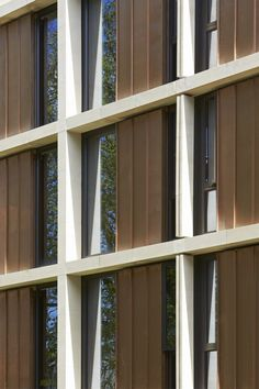 Image 14 of 31 from gallery of St Antony's College / Bennetts Associates. Photograph by Hufton+Crow Facade Architecture, Amazing Architecture, Saint Antony, School Building Design, Metal Cladding, Urban Apartment, Window Types, Student Living, Brick Building