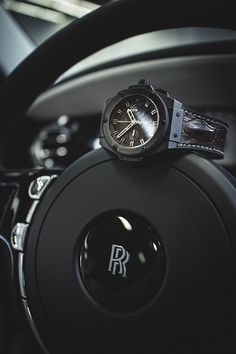 Hublot and Rolls Royce. One word: Inseperable. Men's Watches, Luxury Watches, Cool Watches, Fashion Watches, Watches For Men, Hublot Watches, Luxury Blog, Luxury Lifestyle, Luxury Cars