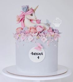 Pretty Cakes, Cute Cakes, Beautiful Cakes, Amazing Cakes, Pig Birthday Cakes, Birthday Cake Girls, Birthday Cake Decorating, Cake Decorating Tips, Fondant Cakes