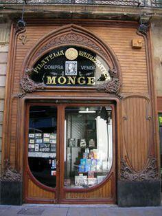 Discover the world through photos. Barcelona, Art Nouveau Illustration, Art Nouveau Architecture, Shop Fronts, Old Doors, Shop Signs, Around The Worlds, Exterior, Shopping