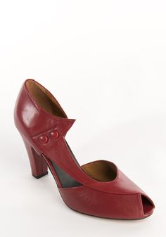 Eva in crimson by Re-mix. I have these in green and they're divine. But they're even more beautiful in red.