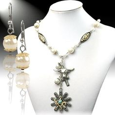 Western Spur Pendant Necklace & Earring Set at mimiamor.com.