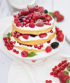 Ein beeriger Naked Cake & Danke, Mamma!