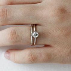 Handmade 14k gold diamond engagement ring | Andrea Bonelli