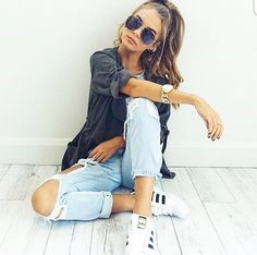 39 ideas fashion photography ideas modeling poses photo shoots for 2019 Instagram Pose, Instagram Outfits, Instagram Picture Ideas, Cool Pics For Instagram, Tumblr Photography Instagram, Iphone Instagram, Summer Outfits, Casual Outfits, Fashion Outfits