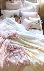 My new bed set!! Not a fan of pink clothes but I have a love for pink interior design!! Comfy!!