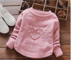 This Pin Was Discovered By Vera Gavrilen – Diy Crafts – Knit… – Kids Fashion Crochet Girls, Crochet Woman, Knit Crochet, Diy Crafts Knitting, Knitting For Kids, Baby Sweater Knitting Pattern, Baby Knitting Patterns, Baby Sweaters, Girls Sweaters