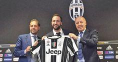 Presidente del Nápoles me llevó a elegir a la Juventus: Higuaín