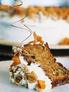 Nothing brings people together around tea time quite like a scrumptious carrot cake. If you thought that your carrot cake recipe couldn't get any better, try it with Amarula and you'll never adapt your recipe ever again. Baking Recipes, Cake Recipes, Kos, Dessert Aux Fruits, South African Recipes, Moist Cakes, Food Shows, Carrot Cake, Let Them Eat Cake