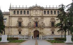 Universidad de Alcalá de Henares (Madrid), fundada en 1.499 por el Cardenal Cisneros es una de las universidades más antiguas de España