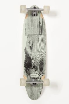 This is a neat skateboard design. I like how it appears to be a tree stump, revealing the detailed grains and movements in the wood growth and development. I like how the color scheme is a monochromatic variation of different grays. Longboard Design, Skateboard Design, Skateboard Decks, Long Skate, Skate Surf, Surf Wave, Cruiser Boards, Skate Decks, Skater Girls
