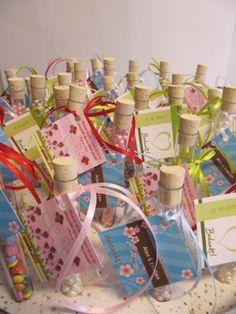 De Weddingtubes als bedankje na je bruiloft. Leuke huwelijksbedankjes met verschillende vulling. www.bedankjes.nu