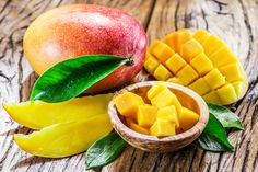 Mango For Babies - 5 Healthy Reasons And 12 Yummy Recipes Yummy Recipes, Baby Food Recipes, Dog Recipes, Food Tips, Baby Eating, Dog Eating, Healthy Snack Options, Healthy Snacks, Alkaline Fruits