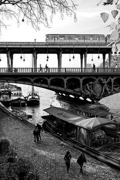 le pont de Bir-Hakeim  © Gérard Laurent pour ParisCool, les photos de Paris