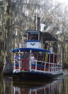 The Graceful Ghost steamboat is a wood burning paddle wheel, on Caddo Lake