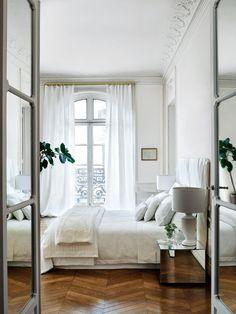 20 Dreamy Parisian Bedrooms
