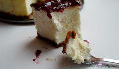 Degustando la tarta de queso al horno esponjosa