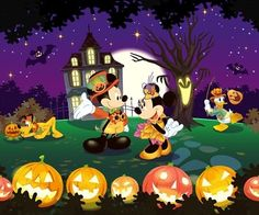 Mickey and Minnie Halloween Disney Halloween, Fete Halloween, Halloween Clipart, Halloween Pictures, Holidays Halloween, Spooky Halloween, Halloween Crafts, Happy Halloween, Halloween Decorations