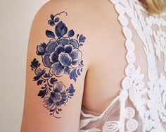Floral vintage Dutch 'Delfts Blauw' temporary tattoo by Tattoorary