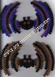 Two Bats Halloween hama perler beads (large circle board)- Leah's crafts and doodads Pearler Beads, Fuse Beads, Hama Beads Patterns, Beading Patterns, Filet Crochet, Hama Beads Halloween, Iron Beads, Melting Beads, Perler Bead Art