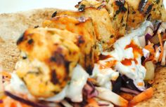 Cook yourself thin: Chicken kebabs with crunchy salad (white cabbage + red cabbage + carrot) served with a garlic-sauce