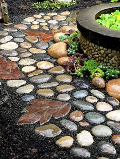 Lovely 32 Natural And Creative Stone Garden Path Ideas   Gardenoholic