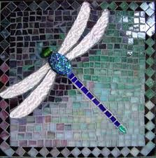 Dragonfly Glass Art by Marie Groves Mosaic Stepping Stones, Stone Mosaic, Mosaic Glass, Pebble Mosaic, Easy Mosaic, Fused Glass, Stained Glass Patterns, Mosaic Patterns, Stained Glass Art
