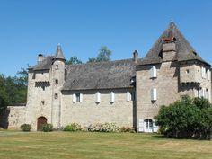 Château d'Estresse►►http://www.frenchchateau.net/chateaux-of-auvergne/chateau-d-estresse.html?i=p