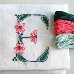 DIY pdf Crewel Embroidery Pattern Monogram E por PrairieGarden