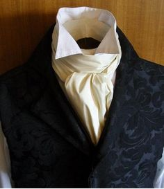 Learn the difference between an ascot and a cravat. What exactly are they, where dd they come from and how do you wear them? Steampunk Costume, Steampunk Fashion, Victorian Fashion, Mode Masculine, Jane Austen, Cravat Tie, Ascot Ties, Masquerade Costumes, Masquerade Ball