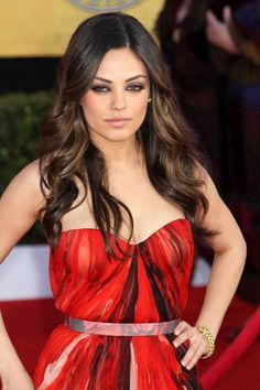Mila Kunis' perfect hair- waves and the colour