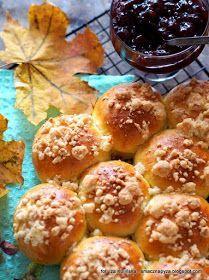 Polish Desserts, Polish Recipes, Polish Food, Yeast Rolls, Bread Rolls, Paczki Donuts, Happy Foods, Pumpkin Cheesecake, Sweet Treats