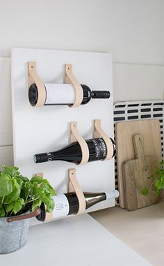 diy leaning wine shelf with leather | home craft Mehr