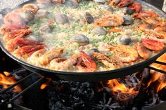 #Paella! Doesn't this look amazing! Enjoy #Spain! www.fastcover.com.au