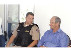 Comandante do 12º BPM visita a Câmara de Passos. http://www.passosmgonline.com/index.php/2014-01-22-23-07-47/geral/4585-comandante-do-12-bpm-visita-a-camara-de-passos