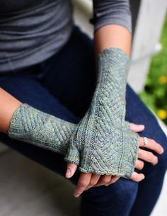 Vingerloze hand/polswarmers - Breipatroon (te koop via Ravalry.com)