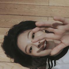 Blackbangtan X Exovelvet Shipper ! Kim Jennie, South Korean Girls, Korean Girl Groups, Blackpink Members, Blackpink Video, Blackpink Photos, Blackpink Lisa, Yg Entertainment, K Pop