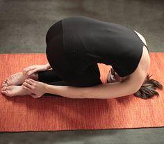Sasangasana (Rabbit) plus other yoga poses to detox