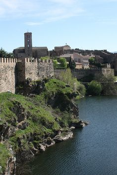 Buitrago de Lozoya   Flickr - Photo Sharing! Countries, Spain, River, Outdoor, Castles, Cities, Outdoors, Sevilla Spain, Outdoor Living