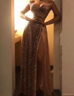 Gold Sequined Off Shoulder Prom Dress Gold Pailletten Schulterfrei Abendkleid Gold Prom Dresses, Sequin Evening Dresses, Prom Outfits, Cheap Prom Dresses, Women's Dresses, Elegant Dresses, Homecoming Dresses, Pretty Dresses, Beautiful Dresses