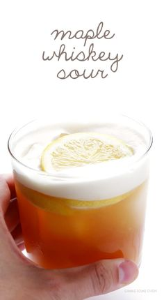 Whiskey Sour Maple Whiskey Sour -- naturally sweetened, and so refreshing! Bourbon Drinks, Whiskey Cocktails, Cocktail Drinks, Cocktail Recipes, Sidecar Cocktail, Cocktail Parties, Fall Cocktails, Holiday Drinks, Summer Drinks