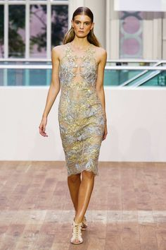 Feels very similar to Monique Lhuillier & Stella Nolasco but still love! Julien Macdonald S/S15 #ss15 #lfw #fashion
