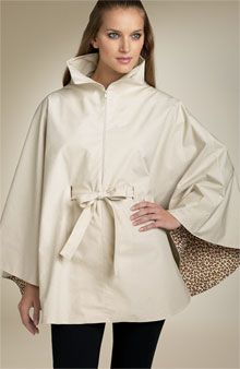 Totally making a rain poncho this year!😍 Convertible Rain Cape - Free tutorial from Weekend Designer Diy Clothing, Sewing Clothes, Clothing Patterns, Poncho Cape, Cape Coat, Rain Poncho, Wool Cape, Raincoat Outfit, Rain Cape