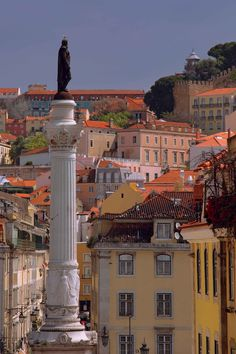 Lisbon old district - up the hill de #Catle St George, down the hill the Tagus #River) Portugal