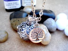 Vintage Style Silver Filigree Locket Aromatherapy Necklace with Tree of Life Charm - Aromatherapy Diffuser Jewelry