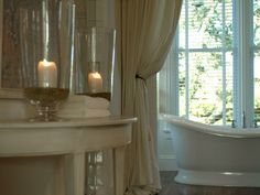 romantic-bathroom-linda-woodrum_w609.jpg (609×457)