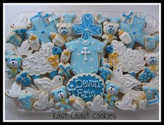 Made the same night I made the goalie cake so a little uninspiring to me! I was sooo tired! Of course the little teddies were inspired by Myri's cute little bears! Christening Cookies, Christening Decorations, Baby Boy Christening, Girl Baptism, Baby Boy Cookies, Baby Shower Cookies, Galletas Cookies, Sugar Cookies, Mini Cookies