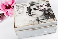 Decoupage tutorial - box with pearls.. What i want to do on Emily's head board