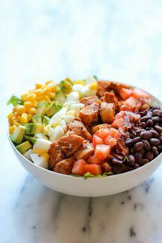 Ensalada Cobb y pollo BBQ | 21 Fáciles y saludables comidas para uno