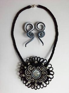 Combination: Black & White Sea Urchin Necklace. €50.00 & Black & White Cleff Earrings €12.50  I can change the length of the necklace if you want to. ➡ AquatharinaDesigns.etsy.com  #soutachenecklace #soutacheset #soutachemania #soutache #lit🔥 #victorian #zwartwit #bijuteriasfinas #blackandwhite #alternativegirl #prom #ketting #collar #bijouxfemme #bijouxhandmade #seaurchin #earweights #handmade #sealife #fattoamano #combination #mermaid #victoriangoth #stretchedlobes #wow😍 #shell